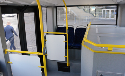 Räckviddsförlängaren stjäl en hel del plats i bussen. Foto: Ulo Maasing.