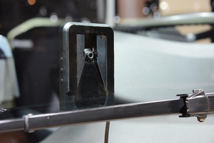 En framåtriktad kamera registrerar vad som finns framför bussen. Foto: Ulo Maasing.