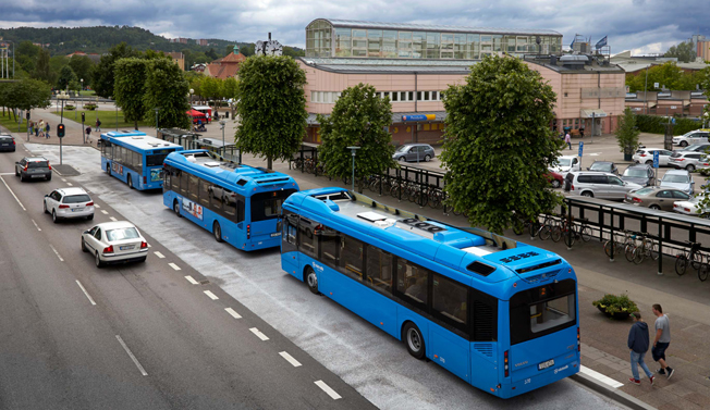Torpterminalen i Uddevalla har i år haft många fler resenärer än tidigare. Foto: Västtrafik.