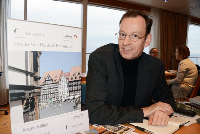 Jürgen Völkel marknadsförde Van der Valk Hotels.