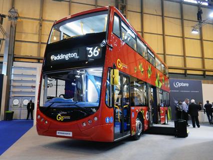 Brittiska Optare visade en batteridriven prototyp av sin Metrodecker som ska sättas i trafik i London i början av nästa år. Foto: Ulo Maasing.
