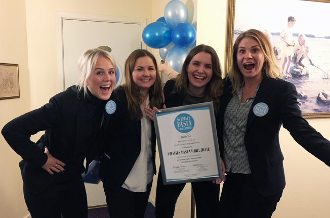 De sköter Sveriges bästa kundcenter i kollektivtrafiken:  Hanna Forsgren, Sandra Höglander, Jessica Winsa och Elin Valfridsson på Länstrafiken  i Västerbotten.