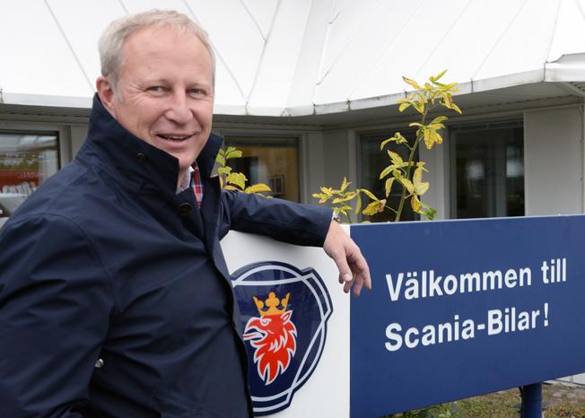 Sedan ett drygt år är Krister Thulin Scanias bussmarknadschef i Sverige. Nu siktar han på att nästa år ge Scania förstaplatsen på den svenska bussmarknaden, bland annat med hjälp av de många lösningar för alternativa drivmedel som man erbjuder. Foto: Ulo Maasing.