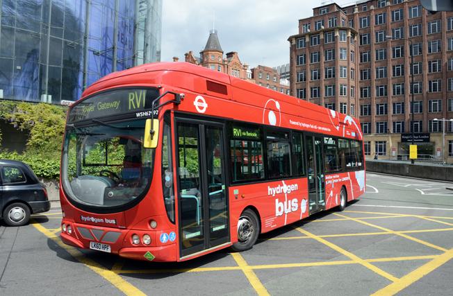 London är en av de städer som har medverkat i EU-projektet CHIC med bränslecellsbussar. Åtta bussar från tillverkaren Wrightbus har de sneaste åren gått i trafik i staden. Foto: Ulo Maasing.