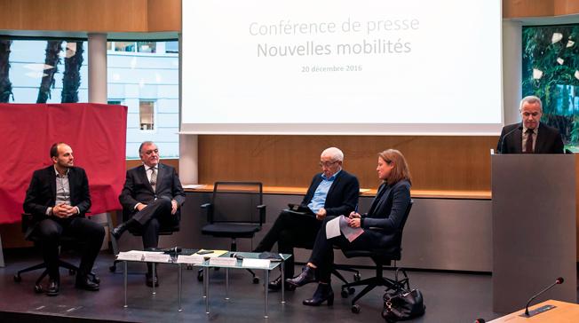 Busstillverkaren Irizar och den franska stadsregionen Basque–Adourkusten presenterade sin satsning på batteridriven BRT vid en presskonferens på tisdagen. Foto: Irizar.
