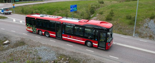 Scania blev största bussmärke i november. Den 7 december inviger företaget Nordens första induktivt laddade elbusslinje. Foto: Scania.
