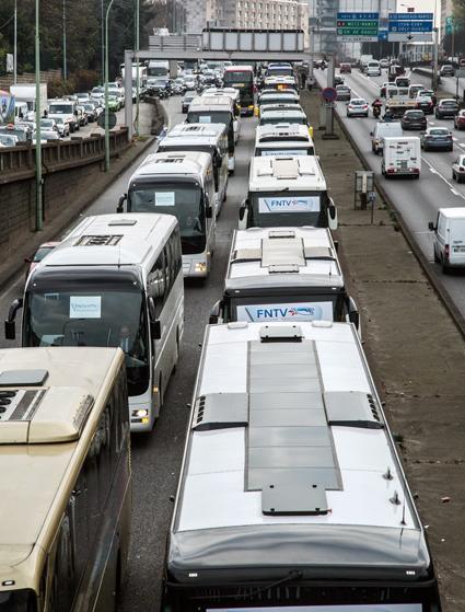 Demonstrationen har lett till en förnyad dialog mellan staden och bussbranschen. Foto: FNTV.