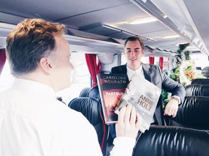 En bild från inspelningen av Swebus julkampanj med Jonas Fagerström. Foto: Swebus.