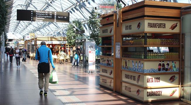 Kommersiella och offentliga aktörer har enats om konkurrensneutrala villkor för tillgänglighet till bytespunkter och terminaler. Bilden visar Nils Ericsonterminalen i Göteborg. Foto: JensPersson/Wikimedia commons.