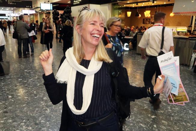 Åsa Fors-Johnson från Erlings resor var på ett strålande humör. Foto: Ulo Maasing.