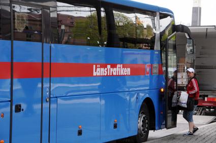 Enligt planerna kommer den helt övervägande delen av bussarna i Örebro län att köras i egen regi av ett gemensamt bolag för Västmanland och Örebro län. Foto: Ulo Maasing.