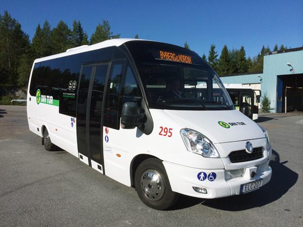 En Iveco Rosero Electric som går i trafik i Sollefteå. Nu får även Surahammar och Hallstahammar den här typen av elbussar i trafik i respektive kommun.