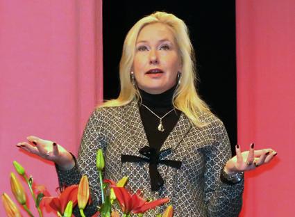 Infrastrukturminister Anna Johansson(S): Pusha för hybrid- och elbussar. Foto: Ulo MAasing.