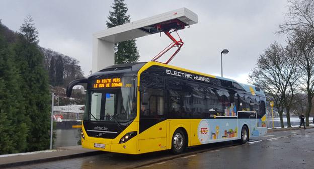 Volvo Bussar har fått en order på 90 elhybridbussar och tolv laddstationer från ABB till trafikföretget TEC i Belgien. Bussarna ska gå i trafik i städerna Charleroi och Namur.