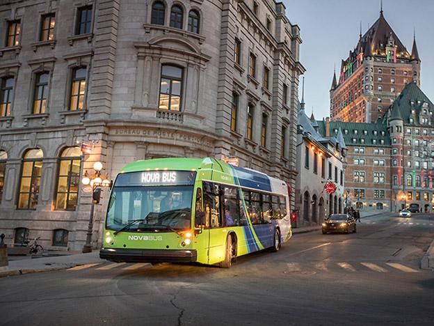 Volvo Bussars nordamerikanskka företag Nova Bus lanserar i år sin elbuss LFSE. Samtidigt börjar man samarbeta med ABB om laddstationer frö den nordamerikanska marknaden. Foto: Nova Bus.