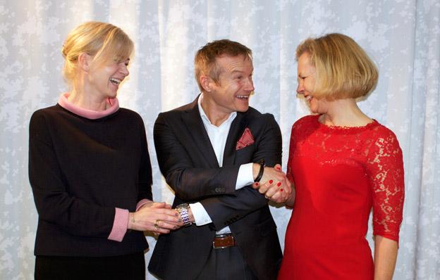 Stockholmsmässans vd Patric Sjöberg möter Sveriges Bussföretags Ulrika Egervall och Anna Grönlund.