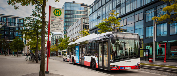 En Solaris Urbino 12 electric i trafik hos Hamburger Hochbahn, Hamburg. Foto: Solaris.