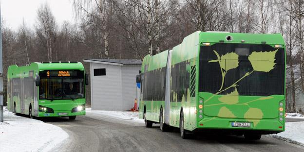 Fukt i navmotorerna har slagit ut en rad elbussar i Umeå. Just nu står sex av tio elbussar från Hybricon stilla.