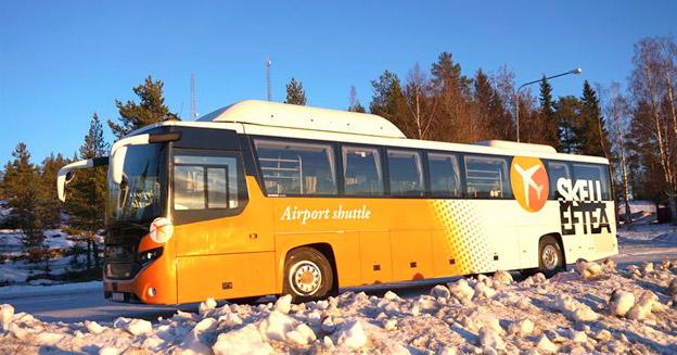 Skellefteå Buss har vunnit ett avtal på tio år förtrafik på åttalinjer med biogasbussar. Dessa ska få samma utseende som Skellefteås flygbuss. Foto: Skellefteå Buss.
