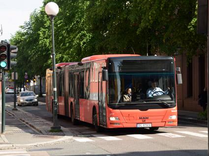 Kraftigt höjda priser på biodieseln HVO får norska bussföfretag att välja fossil diesel. Foto: Ulo Maasing.
