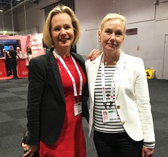 Sveriges Bussföretags vice vd Anna Grönlund och infrastrukturminister Anna Johansson(S) diskuterade bältesanvändning i bussar.