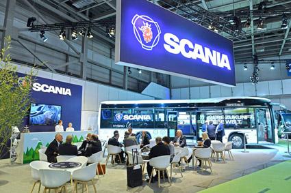 En av utställarna på premiärupplagan av Bus2Bus var Scania som visade en CityWide hybrid. Foto: Messe Berlin.