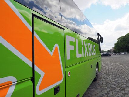 Tyska expressbussjätten FlixBus går till offensiv i Sverige. Foto: FlixBus.