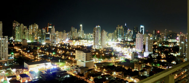 Panama City, snart med närmare 1500 Volvobussar i trafik. Foto: Matthew Straubmuller/Wikimedia Commons.