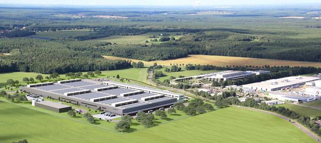 Daimlerkoncernen inledde i verckan bygget av ytterligare en stor batterifabrik i Kamenz i Tyskland. Koncernen räknar med ett kraftfullt genombrott för elfordon de närmaste åren. Foto: Daimler.