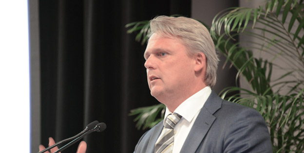 Västvärlden måste skärpa sig, annars hamnar vi på efterkälken, hävdade Håkan Karlsson, tidigare vd för Volvo Bussar och nu i Volvos koncernledning samt orförande i den internationella kollektivtrafikunioonen UITP:s industrikommitté. Foto: Ulo Maasing.