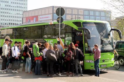 I Berlin har Flixbus flera knutpunkter, förutom den stora bussterminalen är Alexanderplatz i östra Berlin en sådan. Foto: Ulo Maasing.