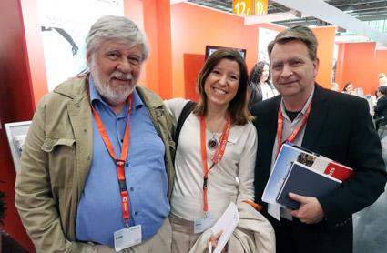 Journalisten Bengt Meder och Citadellrsors Jonas Melin tog  hand om Tyska turistbyråns Stockholmschef Iris Müller. Foto: Ulo Maasing.