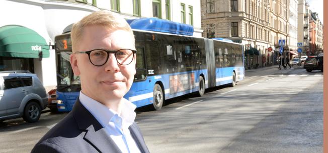Trafiklandstingsrådet Kristoffer Tmsons i Stockholms läns landsting vill ha bättre framkomlighet för busstrafiken. Foto: Ulo Maasing.
