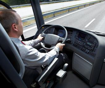 Kommunal vill ha högre lön för bussförare med minst åtta års erfarenhet. Foto: Volvo Bussar.