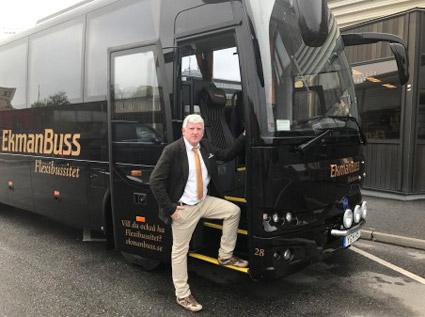 n av de nya Temsa MD9 som registrerades under maj tillhör EkmanBuss med vd:n Johan Ekman. Bussen är speciellt inredd för EkmanBuss med extra hög komfort.