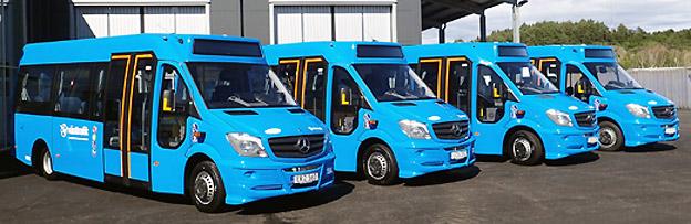 Några av Sandarna Transports flexlinjebussar. Foto: Vinga Bus Partner.