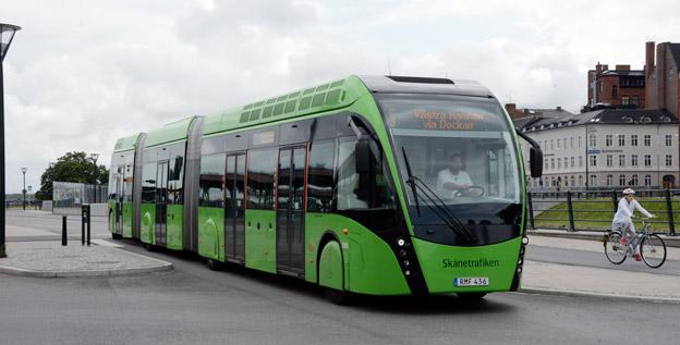 Nobina får förlängt för trafiken med Malmöexpressen och de övriga stadsbussarna i Malmö. Företaget ska också köp in tretton elbussar. Foto: Ulo Maasing.