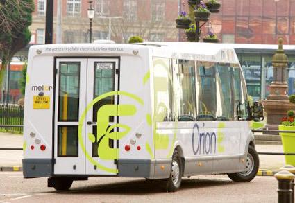 Orion E kan fås med bakdörr förrullstolsburna resenärer. Foto:Mellor.