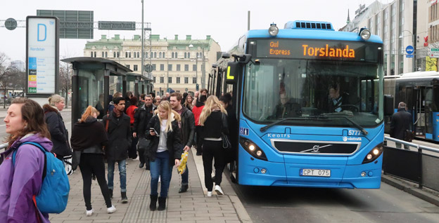 Många svenskar är missnöjda med kollektivtrafiken. Foto: Ulo Maasing.
