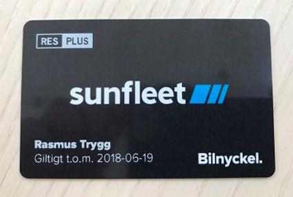 Ett kort som är både busskort och bilnyckel.