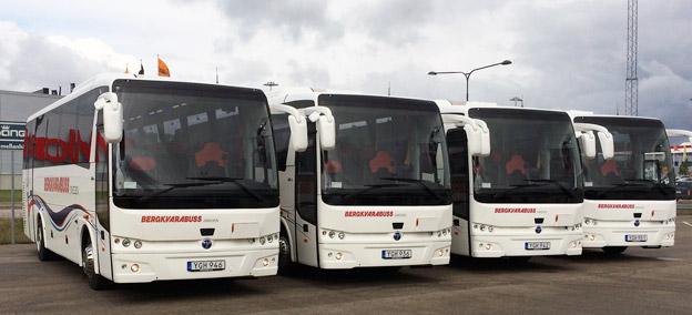 Fyra av de Temsa MD9 som nyligen levererats till Bergkv arabuss.