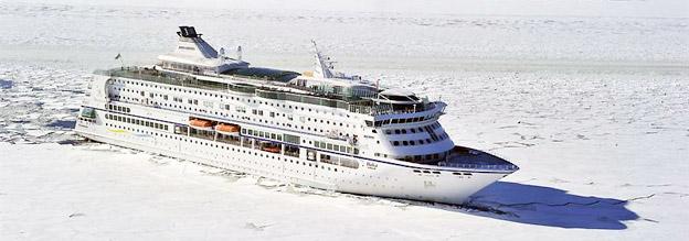 I vinter går det att ta sig till tomten sjövägen. Foto: Birka Cruises.