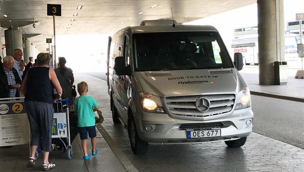 Flyögbussrnas produkt Door to Gate är ett exempel på en mer individanpassad kollektivtrafik. Den har blivit så populär att den har drabbats av växtvärk. Foto: Ulo Maasing.
