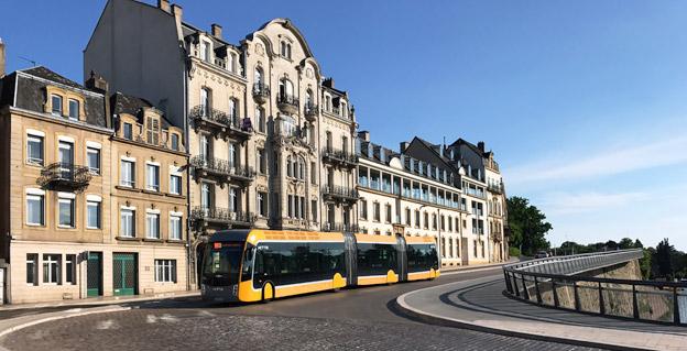 Framkomlighet och snabbhet är nyckelfaktorer för att locka fler att resa kollektivt. Bilden visar BRT-systemet Mettis i dfranska Metz som till 85 procent kör på egen väg eller i egna körfält. Foto: Ulo Maasing.