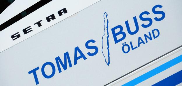 Elisabet Angelin på öländska Tomas Buss hade skrivit till Stockholms trafikborgarråd Daniel Helldén(MP) för att få fri parkering för bussar på Barnhusbron. svaret är nix. Foto: Ulo Maasing.