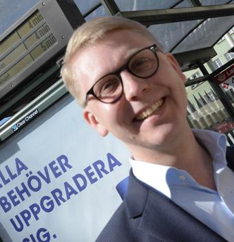 Trafiklandstingsrådet Kristoffer Tamsons(M): Nybyggaravtal kan göra att nya bostadsområden kan få fler bussar tidigare. Foto: Ulo Maasing.