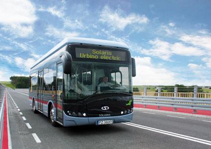 2030 ska all busstrafik i Bryssel vara eldriven. Den första elbussordern från lokaltrafiken i staden har gått till Solaris. Foto: Solaris.