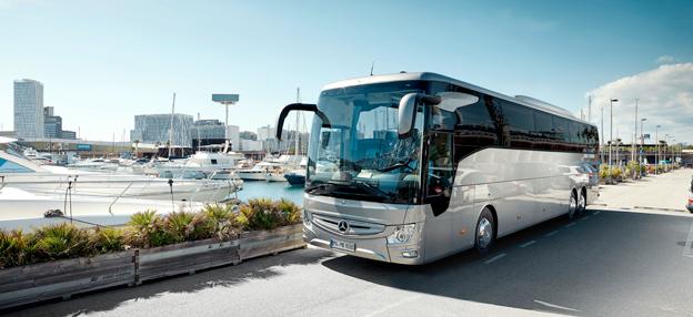 Nya Mercedes-Benz Tourismo öär en av de bussar som deltar när 21 bussar ställer upp i Busworld Awards. Foto: Daimler Buses.