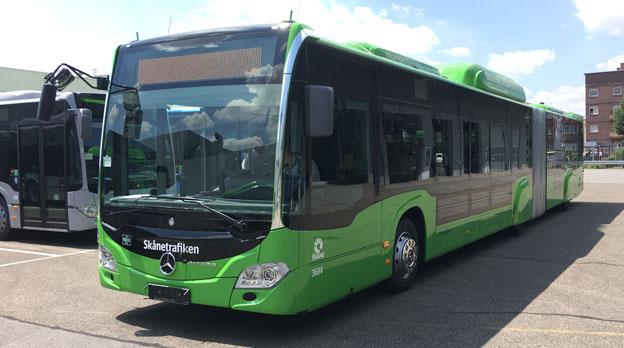 Mercedes-Benz toppar registreringsstatistiken för tunga bussar i Sverige under juli. Starkt bidragande är leveranser till Nobina iu Malmö (bilden) och Bergkvarabuss. Foto: EvoBus.