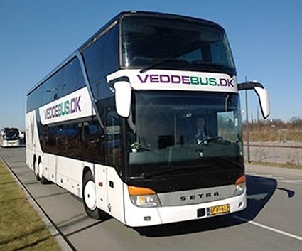 """Danska Veddebus är ett av de bussföretag som nu etablerar """"svart"""" konkurrens med FlixBus. Foto: Veddebus."""